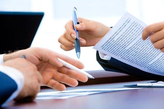 Les Caractéristiques et la formation des contrats administratifs